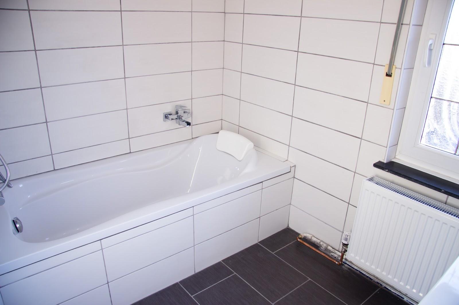 fugen reinigen badezimmer. Black Bedroom Furniture Sets. Home Design Ideas