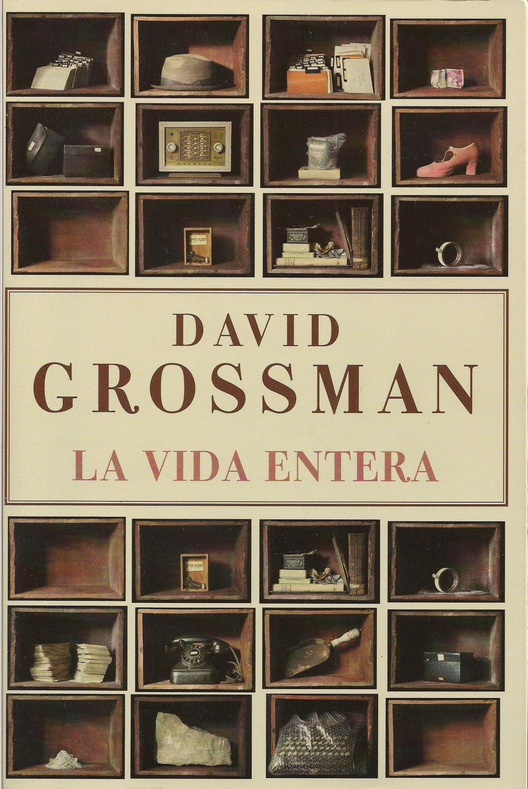 El niño vampiro lee: La vida entera, de David Grossman