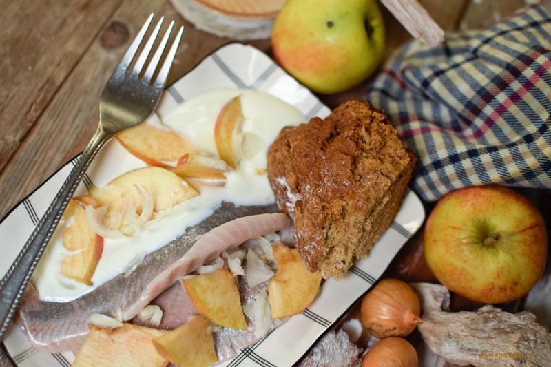 Leichtes Matjes Filet nach Hausfrauen Art mit Natur Joghurt