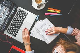 Menulis Adalah Sesuatu Yang Menyenangkan