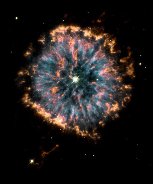7 - NGC 6751 - HST - NASA - ESA