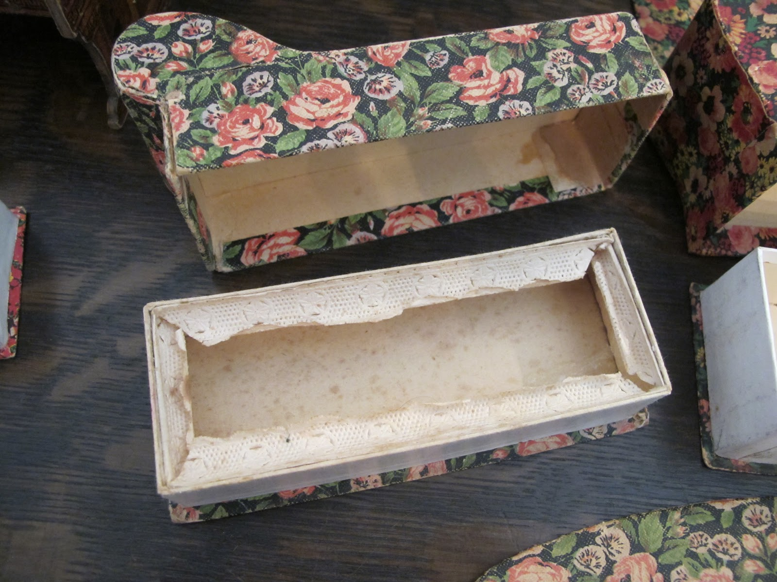 18 Doll Sofa Diy Wine Colored Susan 39s Mini Homes Candy Containers As Antique House