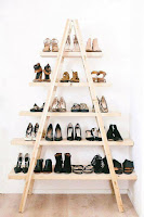 ideas para organizar el calzado con escalera reciclada