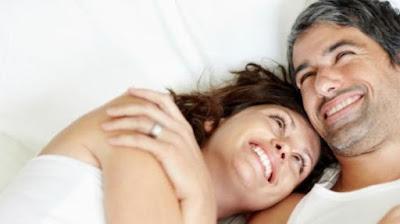 Tips Bangkitkan Gairah Hubungan Seksual di Usia 50 Tahunan