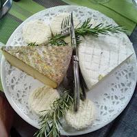 Tabla de quesos en el Auberg du Pont d'Arc.