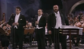 Pavarotti with Placido Domingo (left) and Jose Carreras at the Three Tenors concert at the Baths of Caracalla in 1990