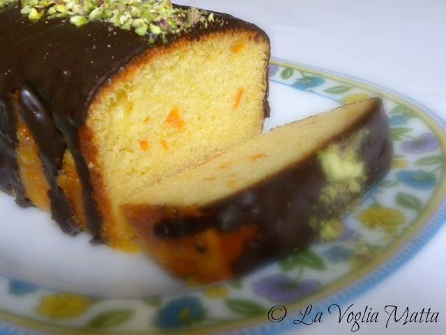 Cake con marmellata di arance Ferber e glassa al cioccolato