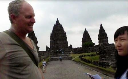 percakapan bahasa inggris perkenalan dengan turis