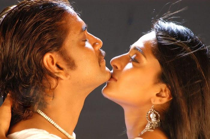 Anushka Shetty Hot Romance With Nagarjuna  Latest Indian -6908