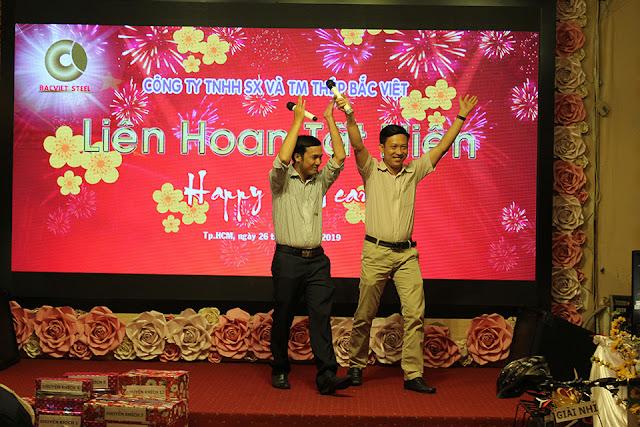 Đôi song ca đến từ phòng HCNS với ca khúc Thương quá Việt Nam
