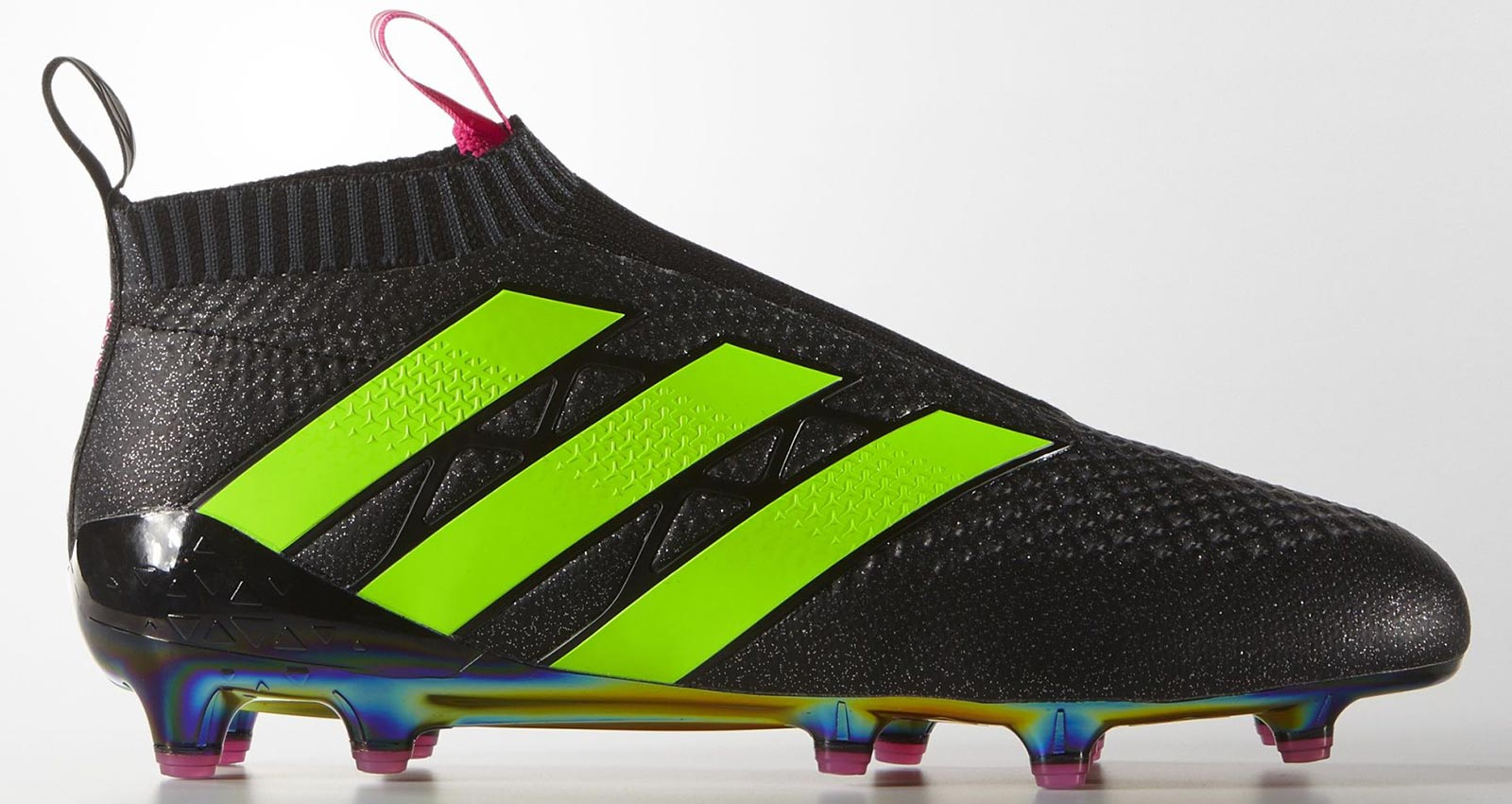 a0773468f956 It was extremely hard to get the first colorways of Adidas' laceless boots,  due to the high popularity and the limited numbers available of the cleats.