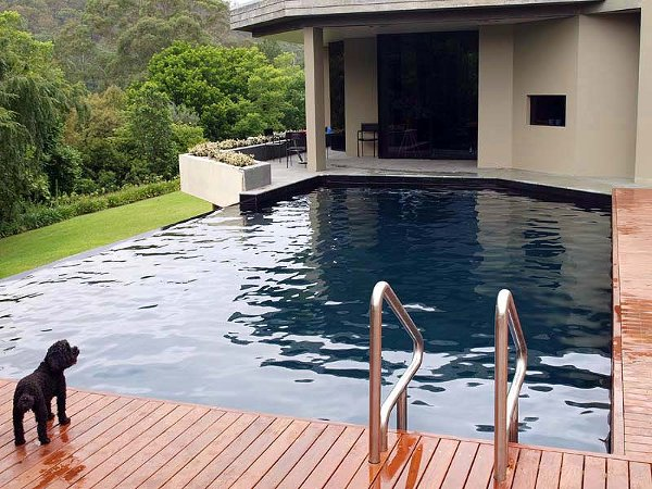Colors of paint for swimming pools 2