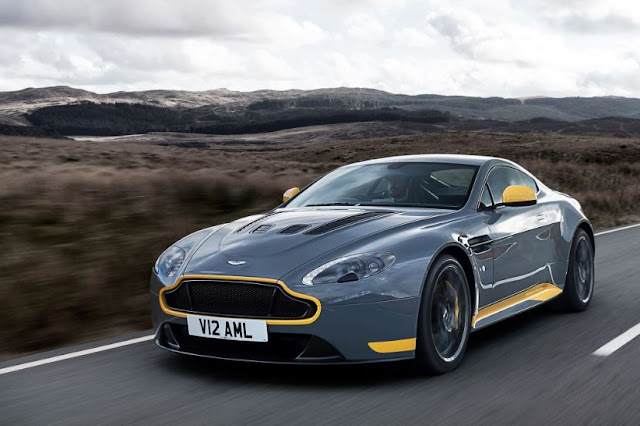 2017 Aston Martin Vantage Reviews