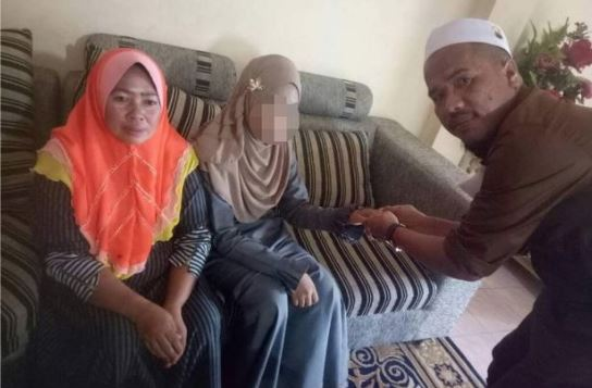 Outrage As 41yrs Old Man With 2 Wives Marries 11yrs Old Girl
