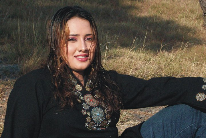 Nadia Gul Six: Pashto Film-Drama Photos Videos