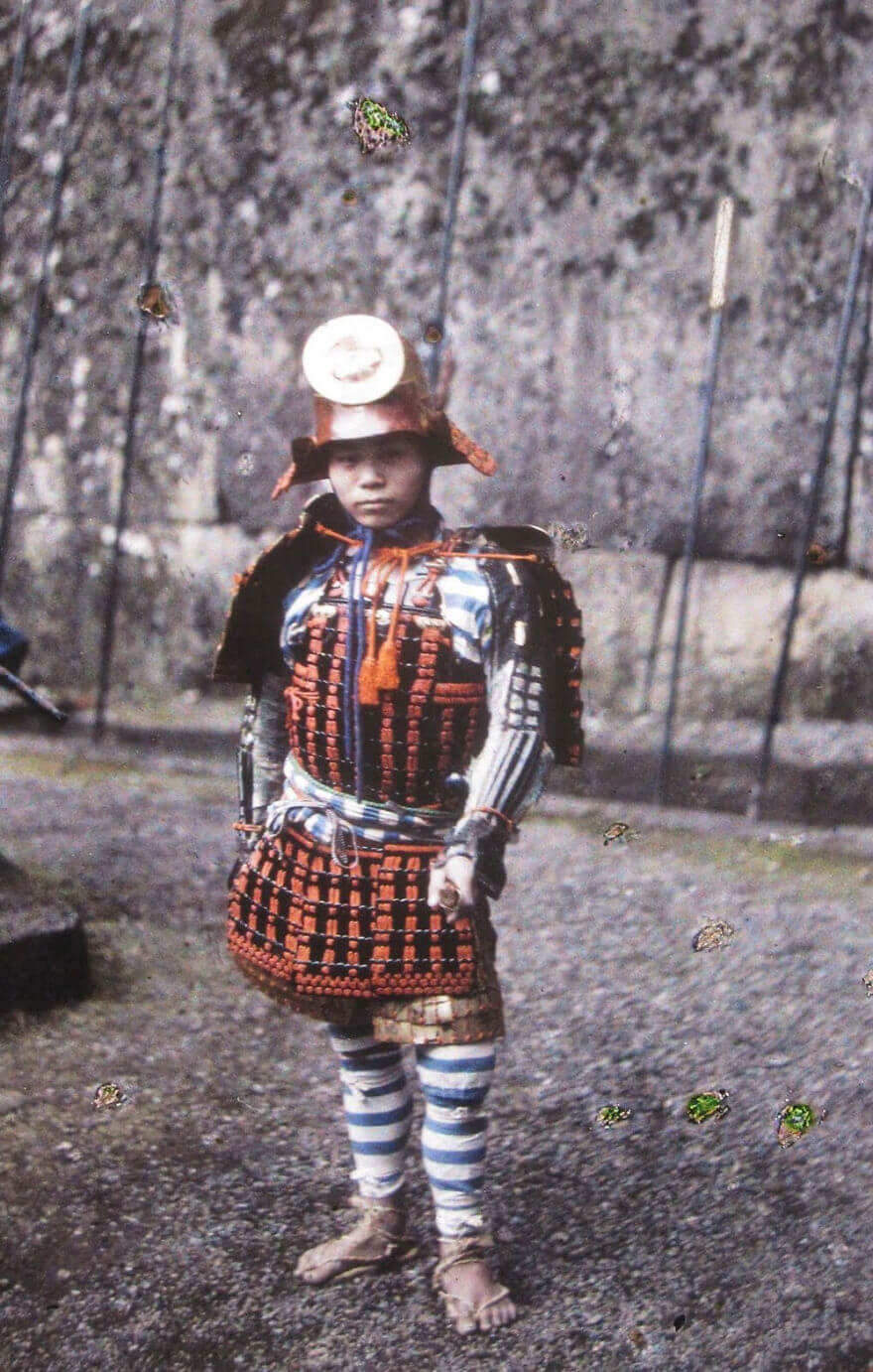 40 Old Color Pictures Show Our World A Century Ago - Apan (Young Samurai), 1912