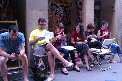 Tejiendo en el Día Mundial de Tejer en Público