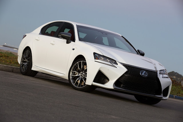 Front 3/4 view of 2016 Lexus GS-F