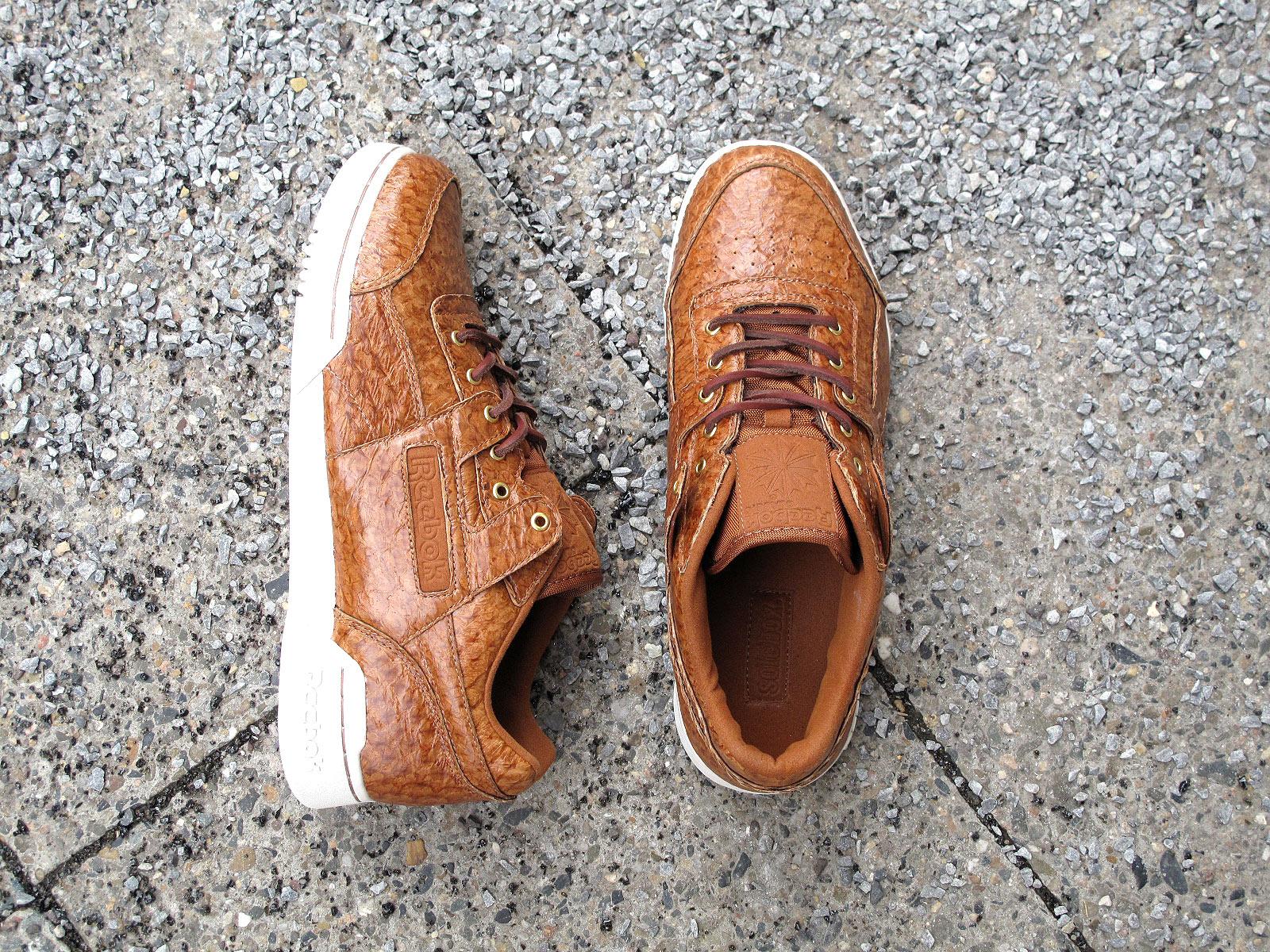 first rate 67183 4333a Den wohl exklusivsten Schuh hat Solebox für Reebok entworfen. Dazu wurde  Tilapia Fischleder verwendet, das ihn extrem edel macht.