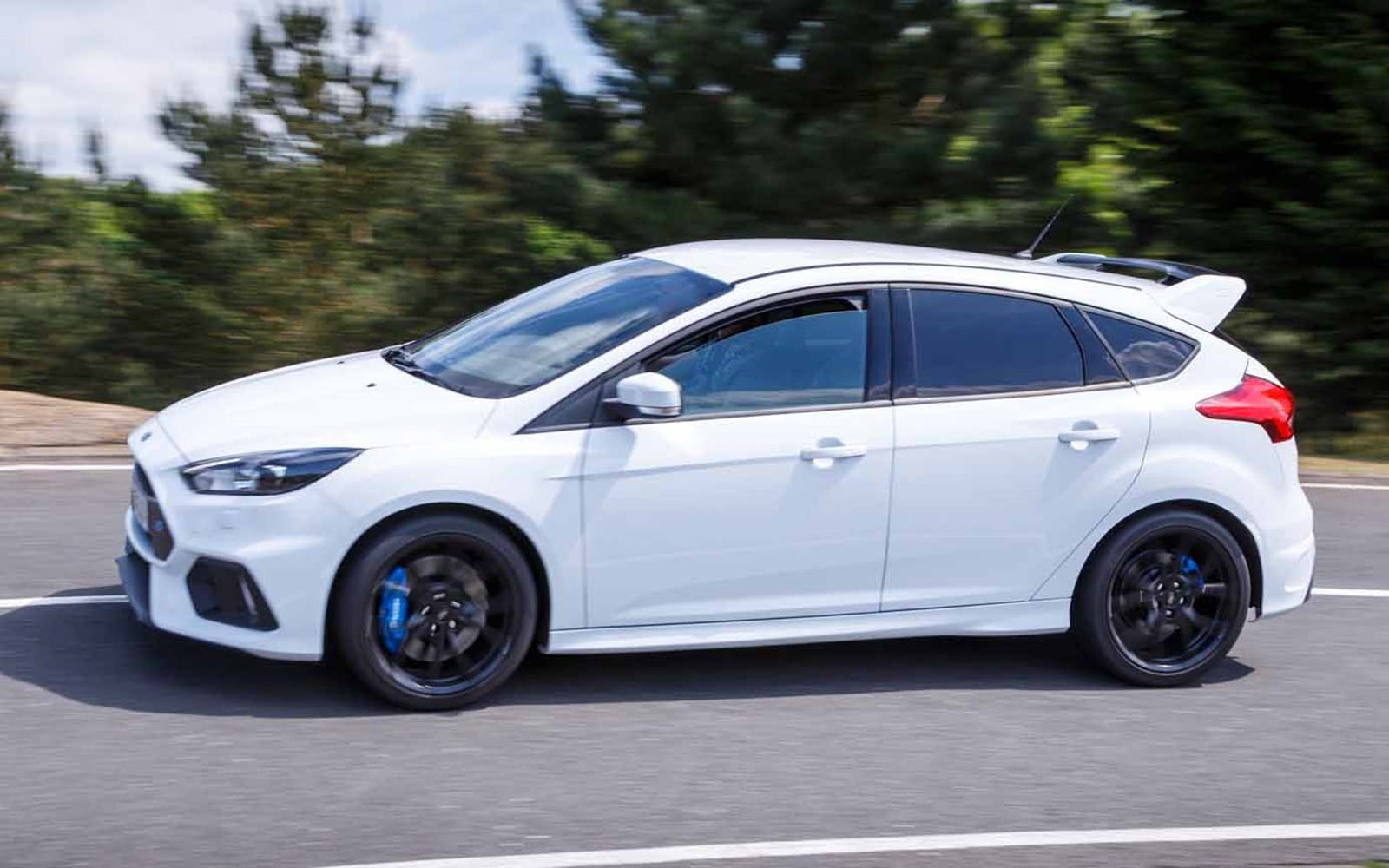 2016 white ford focus rs