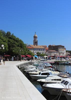 Kebo unterwegs in Krk, Hafen,  Kroatien auf Erkundungstour durch das kleine Städtchen an der  Adria, Urlaub, Reisen, Camping, Fotos auf dem Südtiroler Food- und Lifestyleblog kebo homing