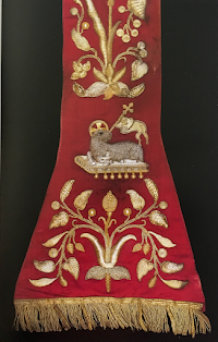 Papal Vestments: The Subcinctorium