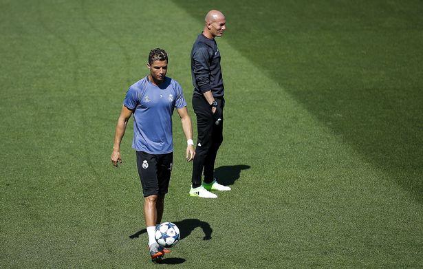 Real chốt đội hình trận đấu với M.U: Ronaldo tái xuất