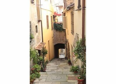 visiting montepulciano tuscany