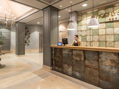 Proyecto de decoración de Triggo Interiorismo Hotel Vincci Lys de Valencia