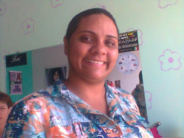 c813cba858 A Cabeleireira e Cantora Gospel Natalia de Paula muda visual e Chama  Atenção de Todos.