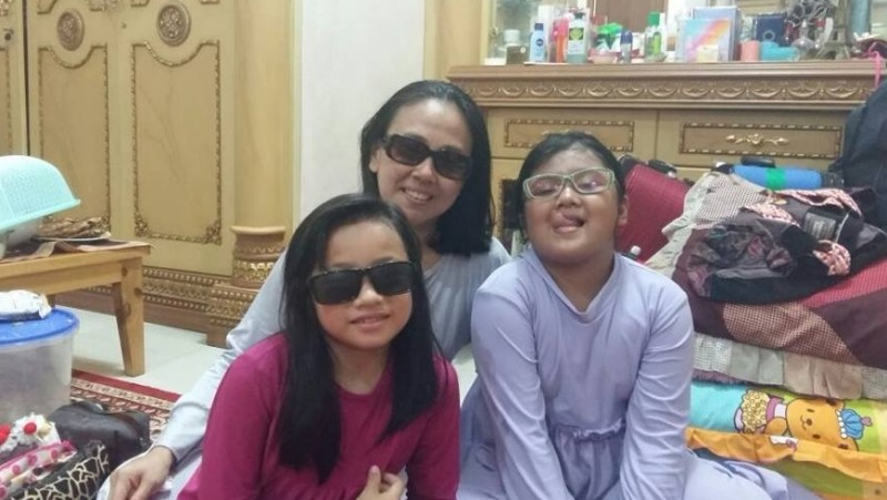 Rainy Novitri bersama Salwa dan Salma