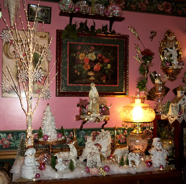 Christmas Home Tour, Dining Room, Buffet and Hutch, 2019