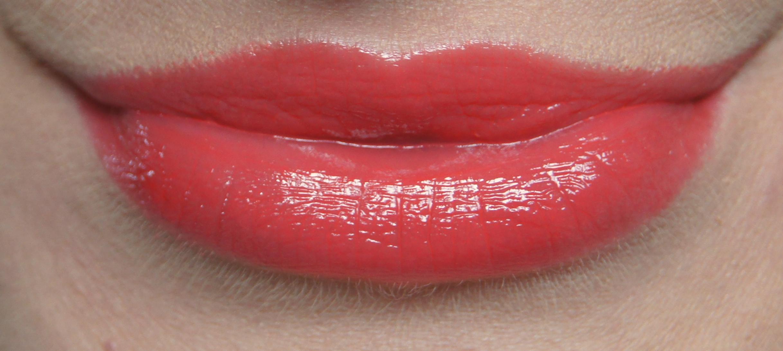 Bourjois Colour Boost Glossy Finish Lipstick 03 Orange Punch Swatch