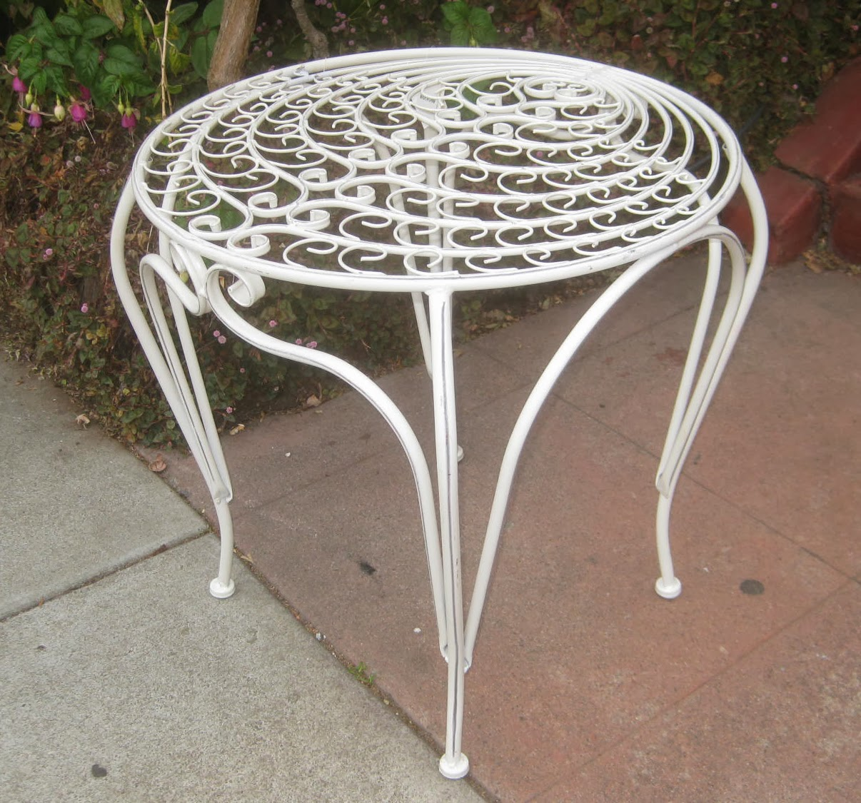 White Metal End Table Uhuru Furniture And Collectibles Sold White Metal Side