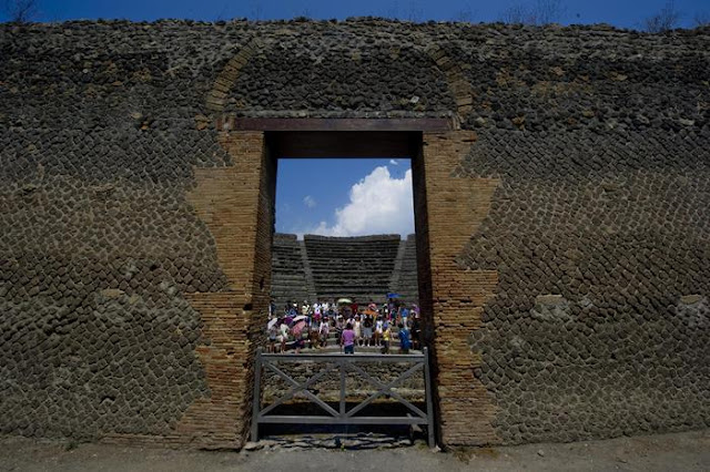 Traces of possible pre-Roman theatre discovered in Pompeii