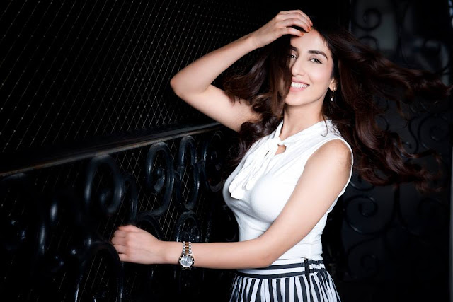 Parul Gulati hot, facebook, bikini, date of birth, in bikini, images, instagram, age, and gautam gulati, serials, ads new photos, hot photos