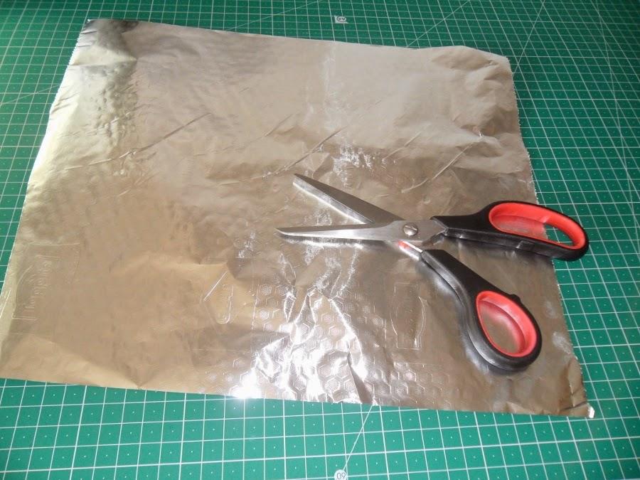 Truco para mantener afiladas las tijeras de costura