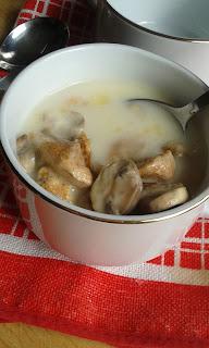 zupa ,kurczak, pieczarki