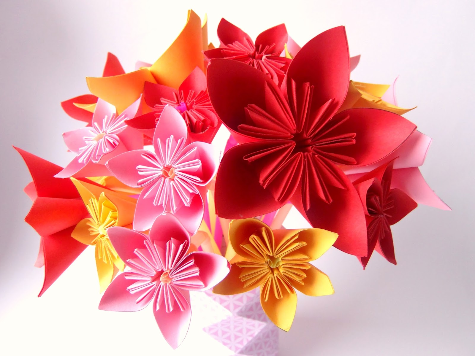 Bouquet de fleurs origami - Truc & Tricks
