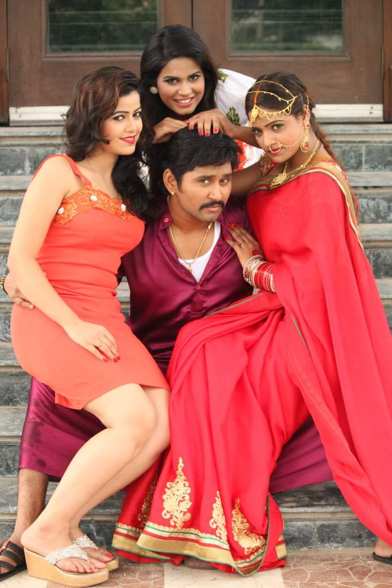 Yash kumar Mishra Shooting stills of Bhojpuri Movie Ek Rajai Teen Lugai