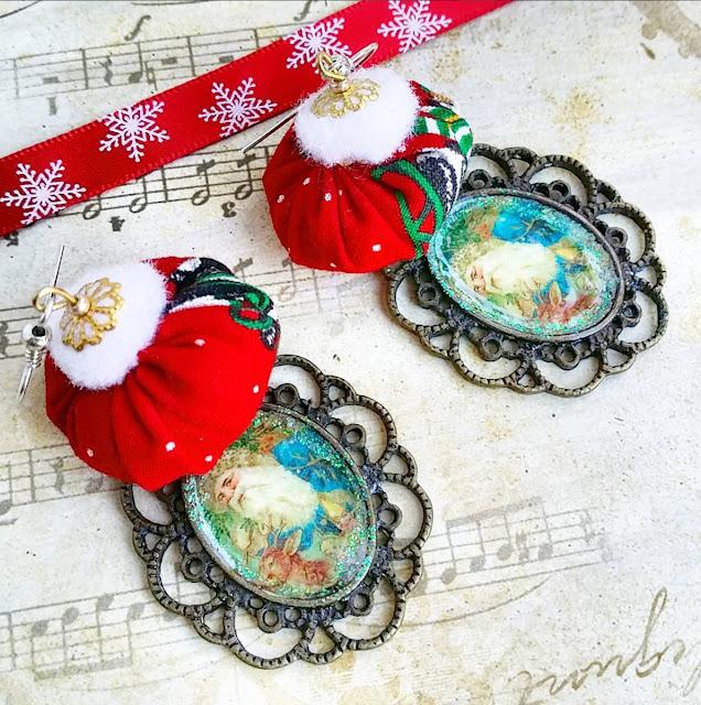 Perles artisanales en tissu, pompon et pendentif motif Père Noël rétro - bijoux cocoflower