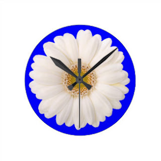 White daisy wall clock