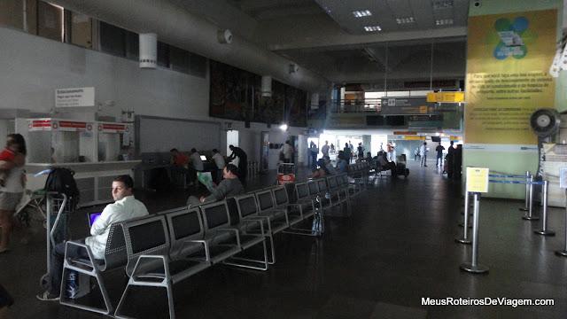Saguão do Aeroporto Internacional Hercílio Luz - Florianópolis