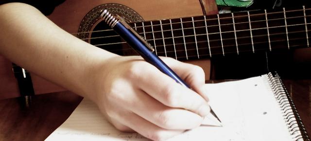 Cara Menciptakan Melodi Gitar Yang Ngesoul Dan Menjiwai