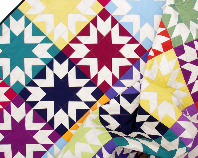 Memories Quilt in Oakshott Colourshott | Pattern available | Red Pepper Quilts 2015