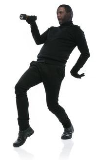 صورة لهكر يقوم بالرقص