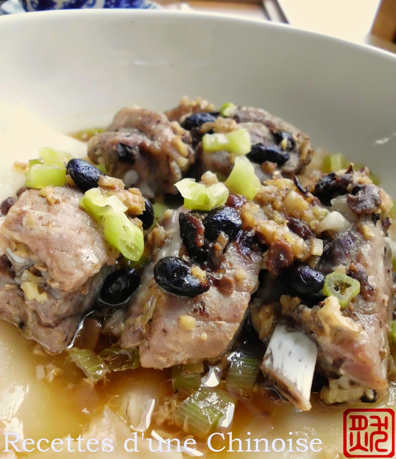 Travers de porc à la vapeur avec pâte de riz 排骨粉 páigǔ fěn. Une recette ...