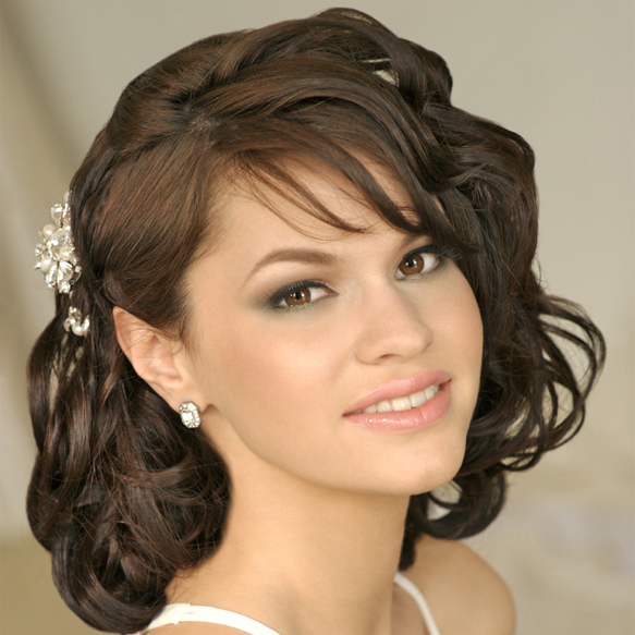 Hairstyles For Wedding Parties: Trends Hairstyles: Choosing Your Wedding Party Hairstyles