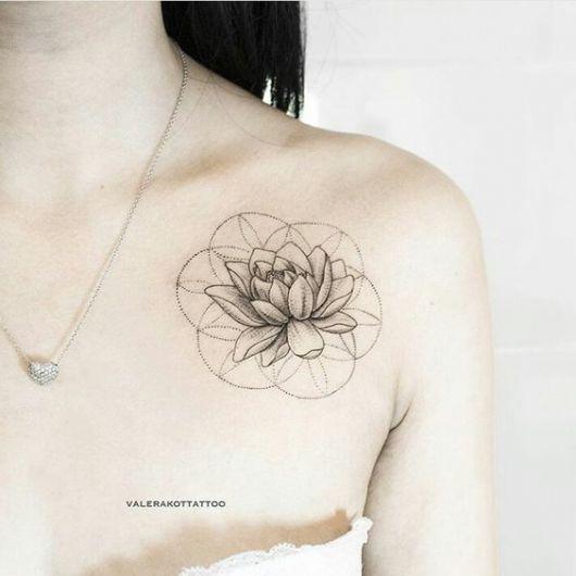 tatuagens femininas para os ombros