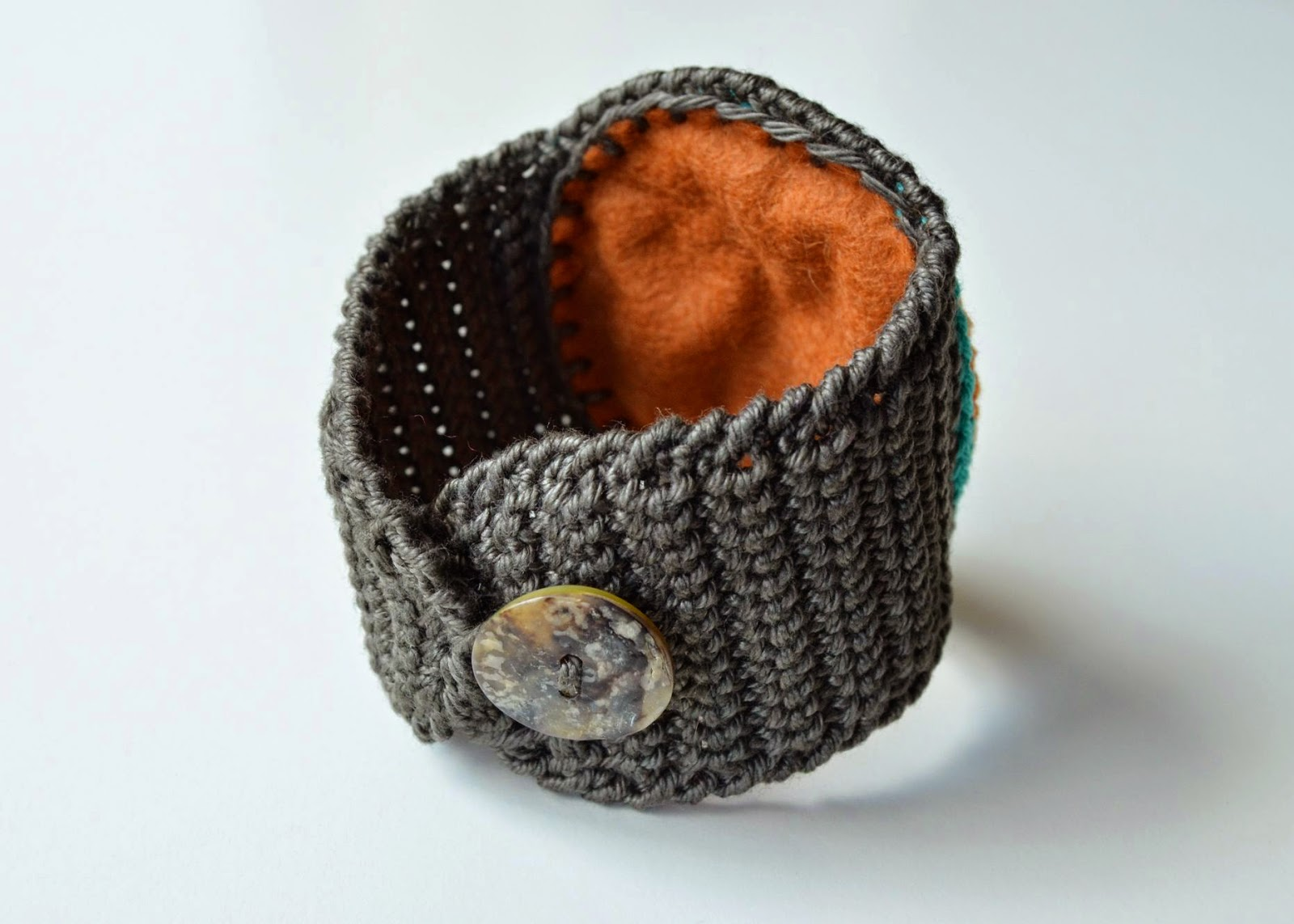 cuff with button